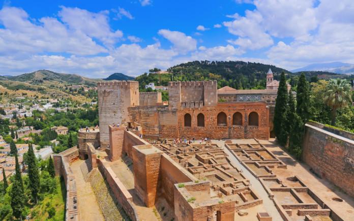 Alhambra bezoeken Alcazaba